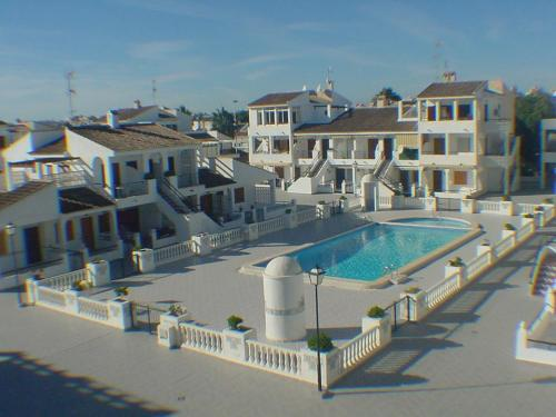 Costa Blanca South / Torrevieja / La Rosaleda / Beachside      / Resales / Maisonette