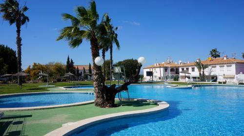 Costa Blanca South / Torrevieja / Lago Jardín / Coastal area    / Resales / Maisonette
